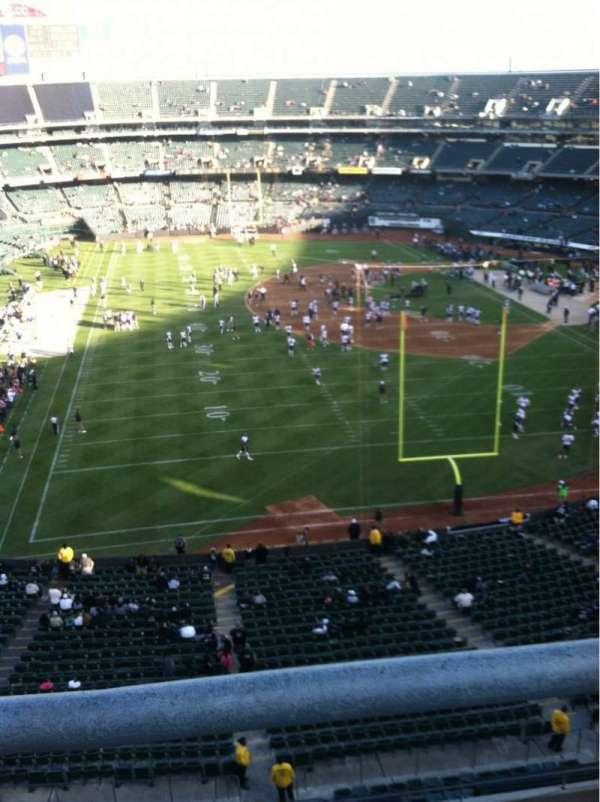 Oakland Coliseum, secção: 207, fila: 9, lugar: 1