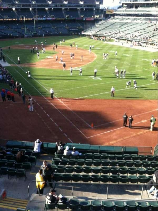 Oakland Coliseum, secção: 210, fila: 11, lugar: 4