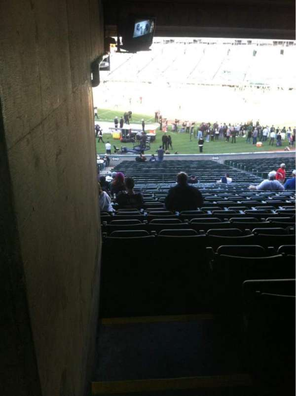 Oakland Coliseum, secção: 113, fila: 38, lugar: 1