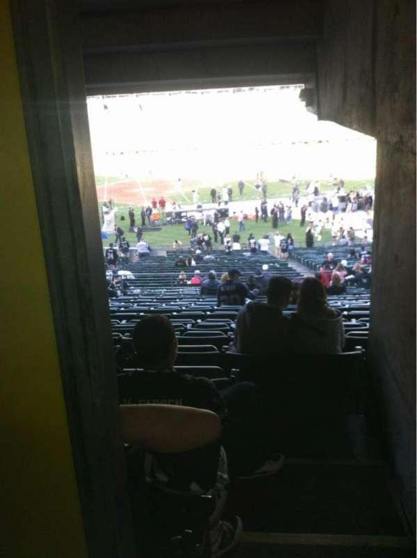 Oakland Coliseum, secção: 119, fila: 38, lugar: 22