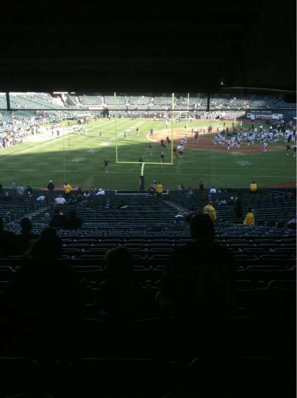 Oakland Coliseum, secção: 128, fila: 38, lugar: 10