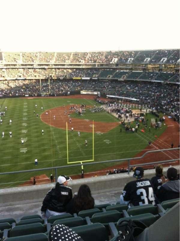 Oakland Coliseum, secção: 329, fila: 6, lugar: 15