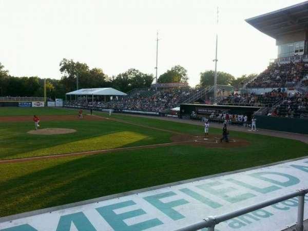 FNB Field, secção: 105, fila: 6, lugar: 22