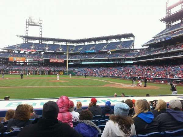 Citizens Bank Park, secção: 130, fila: 9, lugar: 7