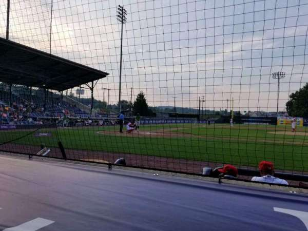 BB&T Ballpark at Historic Bowman Field, secção: d, fila: f, lugar: 1