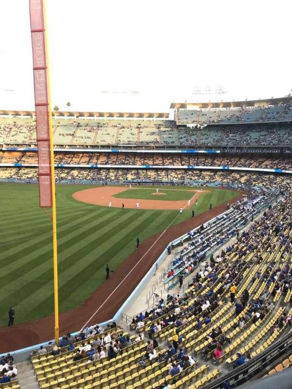 Dodger Stadium, secção: 255 CLUB, fila: A, lugar: 1