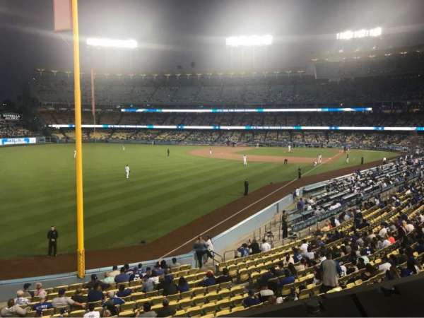 Dodger Stadium, secção: 163LG, fila: A, lugar: 1