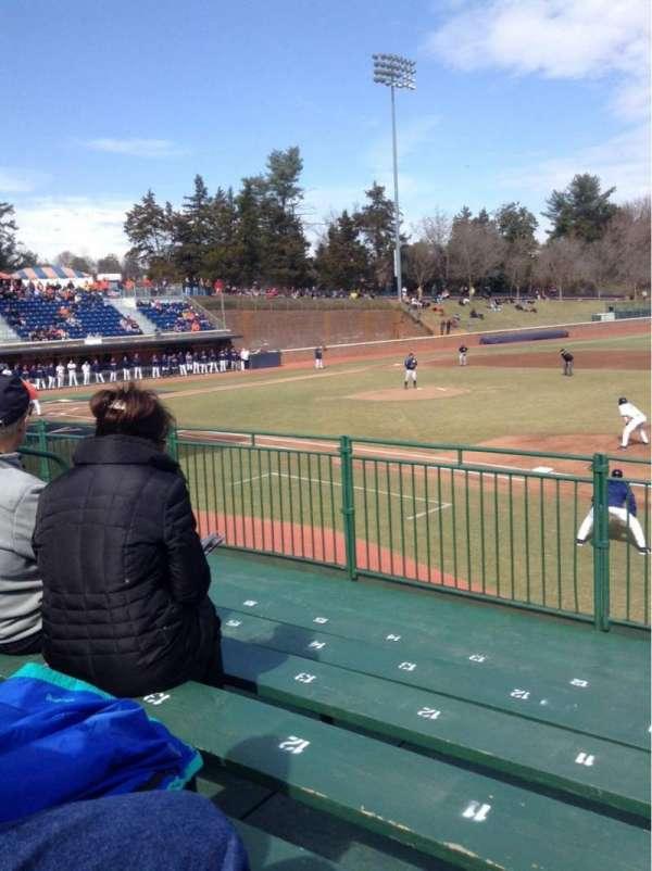 Davenport Field, secção: E, fila: 6