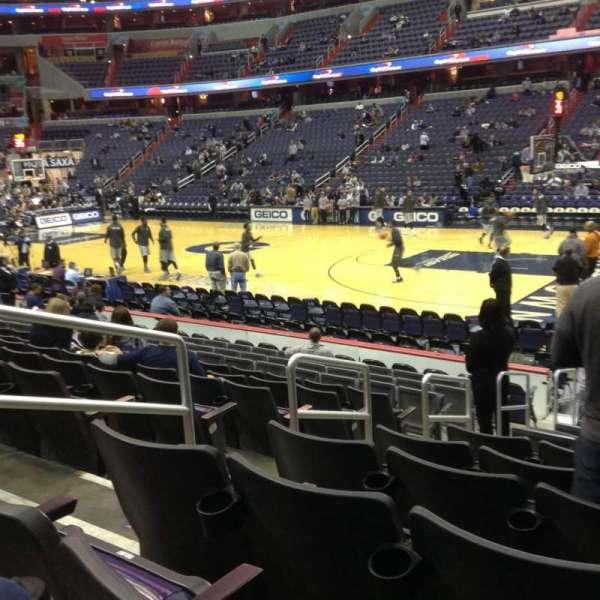 Capital One Arena, secção: 113, fila: M, lugar: 4