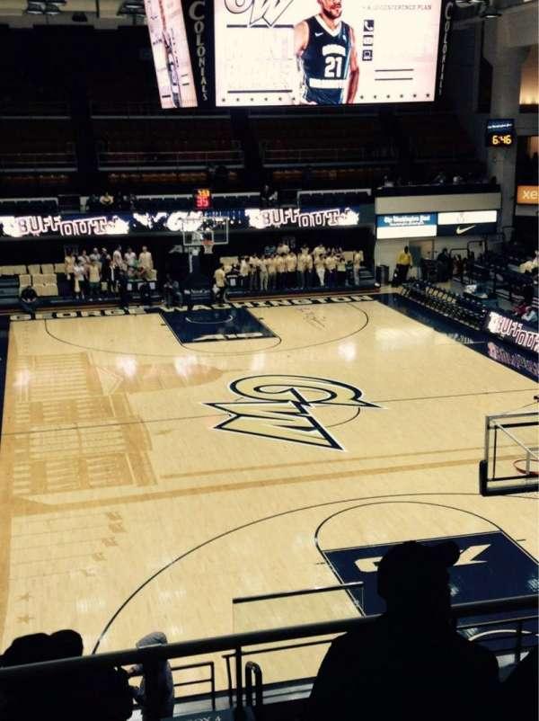 Charles E. Smith Athletic Center, secção: 210, fila: E, lugar: 5
