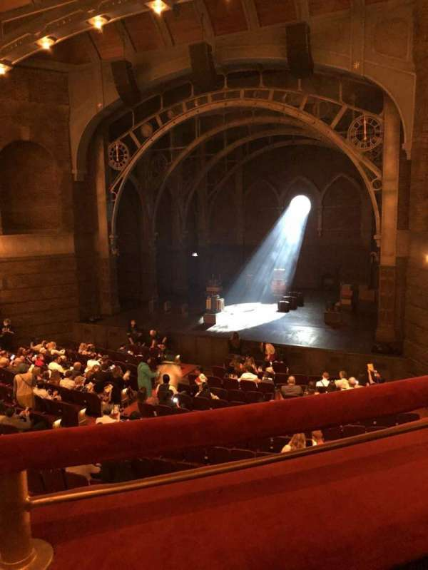 Lyric Theatre, secção: Dress Circle R, fila: A, lugar: 6
