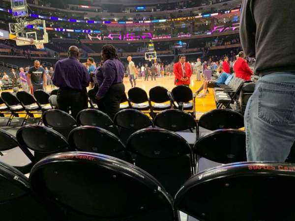 Staples Center, secção: 105, fila: D, lugar: 3