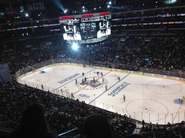 Staples Center, secção: 332