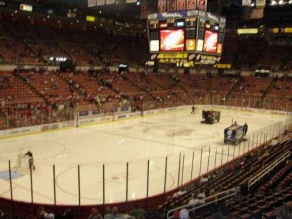 Joe Louis Arena, secção: 125