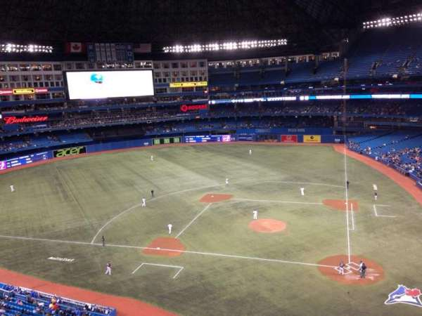 Rogers Centre, secção: 527R, fila: 1, lugar: 1