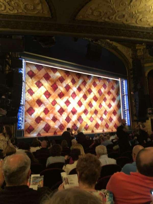 Brooks Atkinson Theatre, secção: Orchestra L, fila: N, lugar: 19