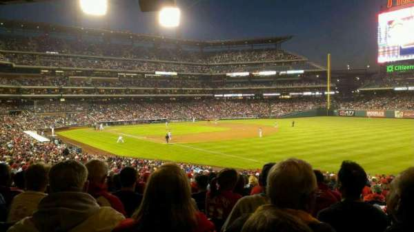 Citizens Bank Park, secção: 110, fila: 38, lugar: 2