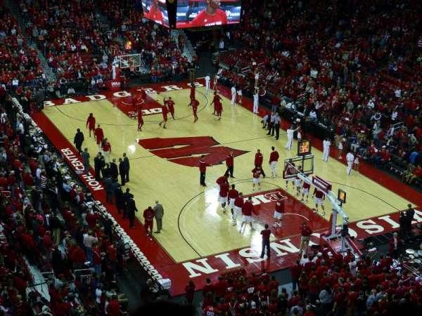 Kohl Center, secção: 317, fila: D, lugar: 6