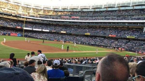 Yankee Stadium, secção: 127B, fila: 8, lugar: 8