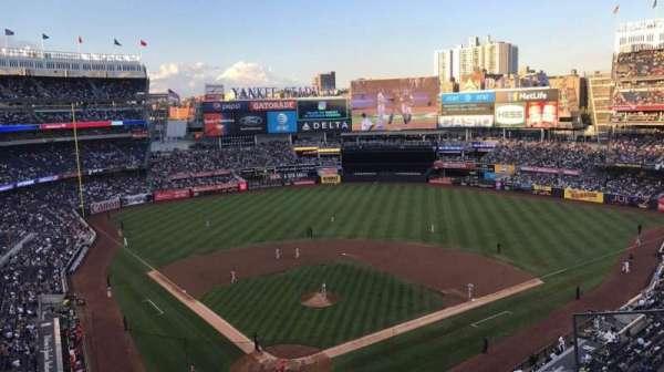 Yankee Stadium, secção: 320A, fila: 4, lugar: 8