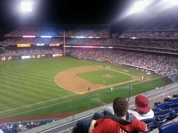 Citizens Bank Park, secção: 329, fila: 3, lugar: 17