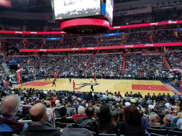 Capital One Arena, secção: 101, fila: Q, lugar: 4