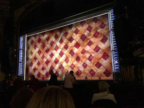 Brooks Atkinson Theatre, secção: Orchestra R, fila: K, lugar: 16
