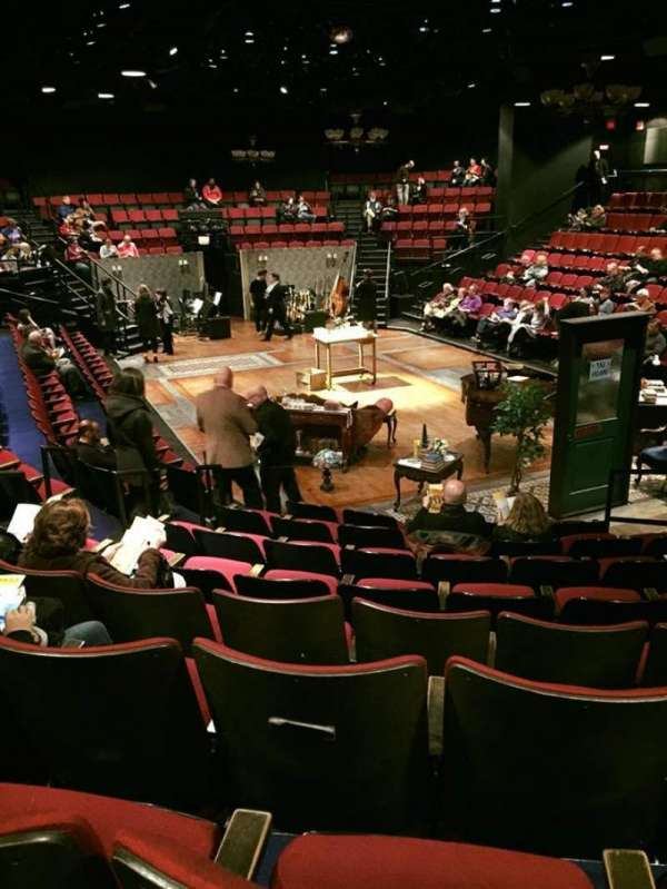 Circle in the Square Theatre, secção: 100's (Odd), fila: H, lugar: 119