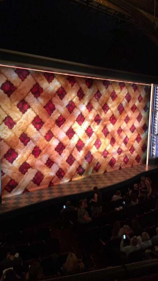 Brooks Atkinson Theatre, secção: Front Mezzanine L, fila: A, lugar: 23