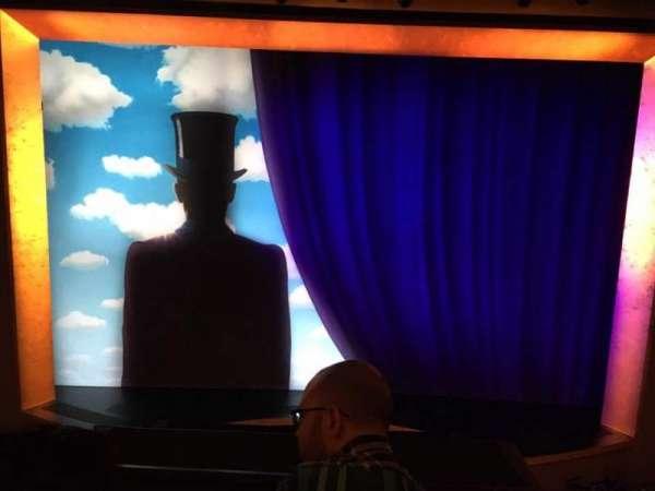 Lunt-Fontanne Theatre, secção: Front Mezzanine, fila: B, lugar: 107