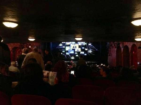 August Wilson Theatre, secção: Orchestra R, fila: Y, lugar: 8