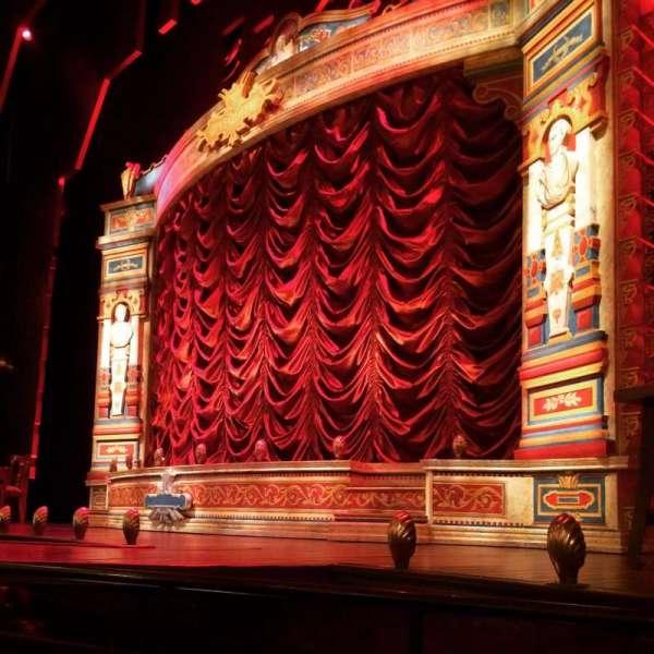Walter Kerr Theatre, secção: Orchestra, fila: B, lugar: 12