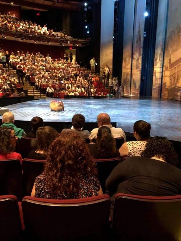 Vivian Beaumont Theater, secção: Orchestra, fila: F, lugar: 115