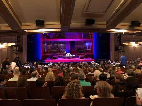 Booth Theatre, secção: SRO, lugar: 106