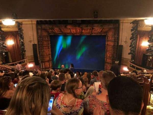 St. James Theatre, secção: Mezz, fila: Q, lugar: 101