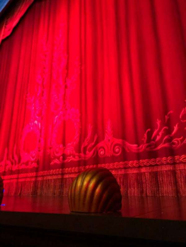 Hudson Theatre, secção: Orchestra, fila: A, lugar: 114