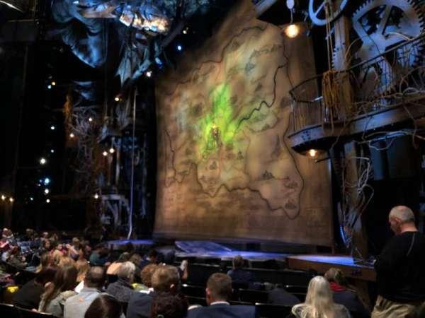 Gershwin Theatre, secção: ORCH R, fila: D, lugar: 24