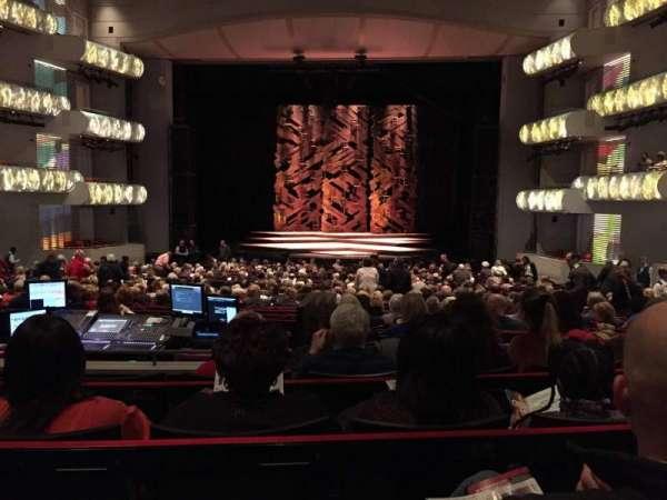 Muriel Kauffman Theatre, secção: PART-C, fila: DD, lugar: 125
