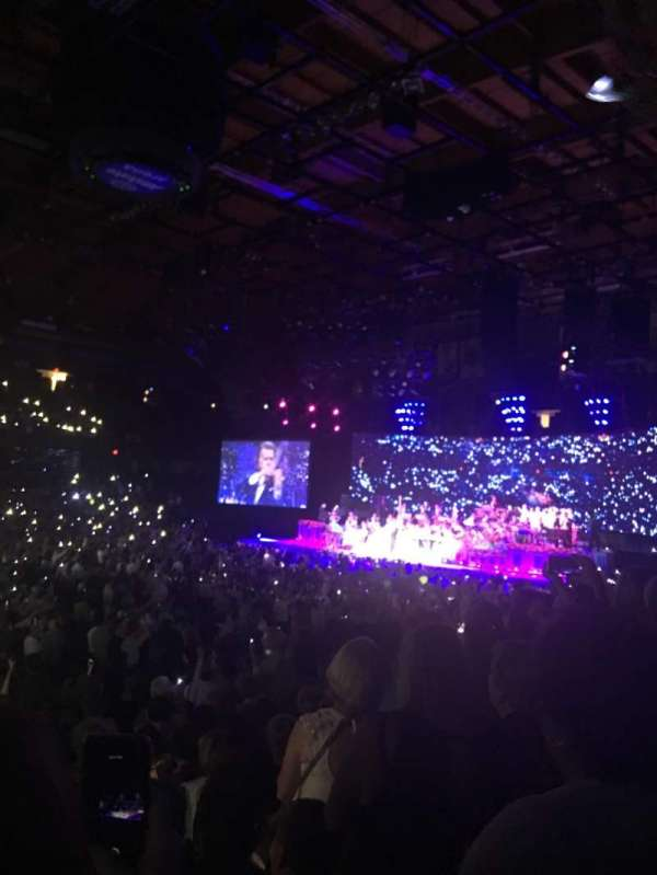 Allstate Arena, secção: 111, fila: L, lugar: 25,26