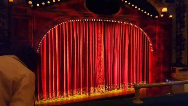 Shubert Theatre, secção: Mezzanine L, fila: B, lugar: 3