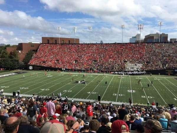 Vanderbilt Stadium, secção: E, fila: 46, lugar: 25