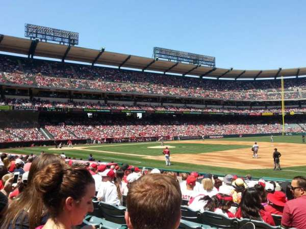 Angel Stadium, secção: F127, fila: N, lugar: 9