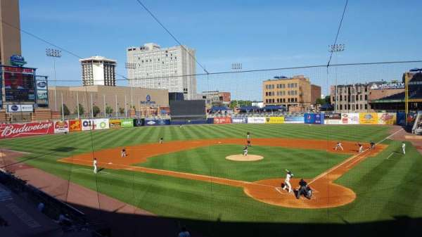 Fifth Third Field, secção: 208, fila: A, lugar: 12