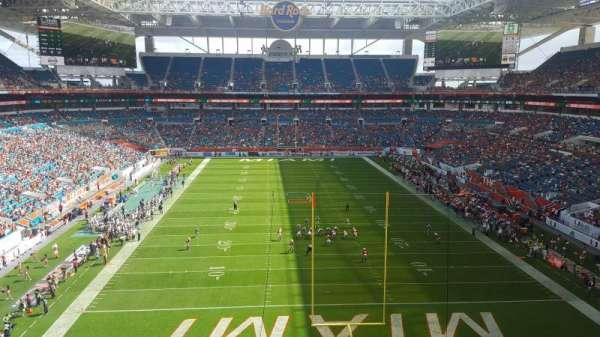 Hard Rock Stadium, secção: 305, fila: 2, lugar: 2