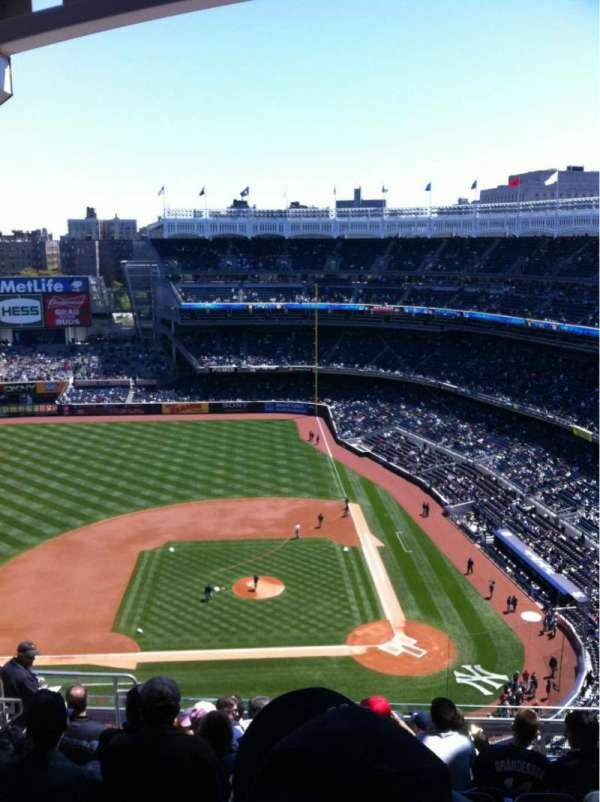 Yankee Stadium, secção: 423, fila: 11, lugar: 20