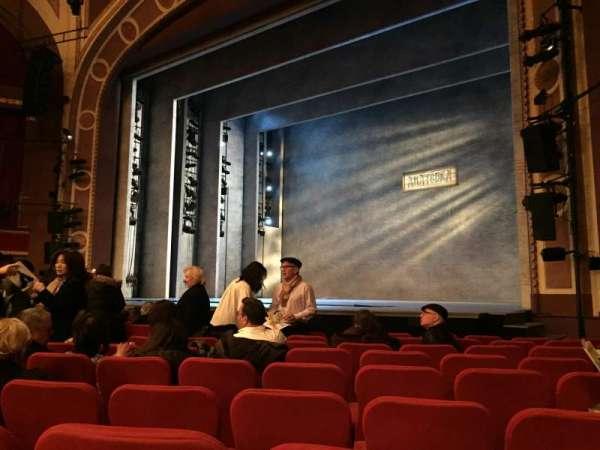 Broadway Theatre - 53rd Street, secção: Orchestra R, fila: L, lugar: 19