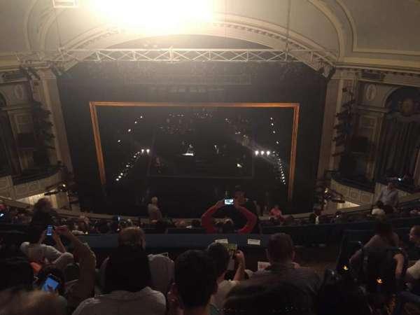 Ambassador Theatre, secção: Rear Mezzanine RC, fila: F, lugar: 122