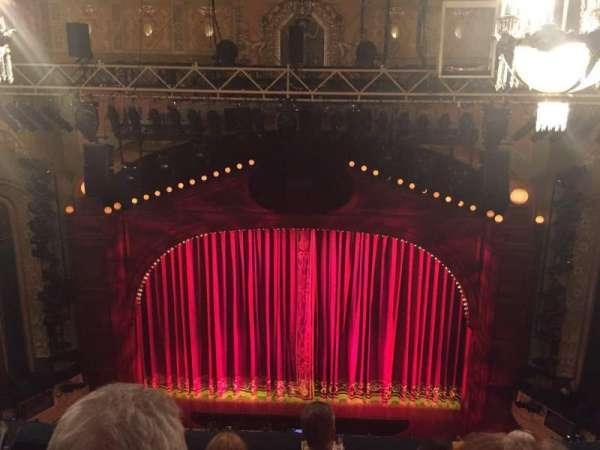 Shubert Theatre, secção: Balcony R, fila: E, lugar: 106