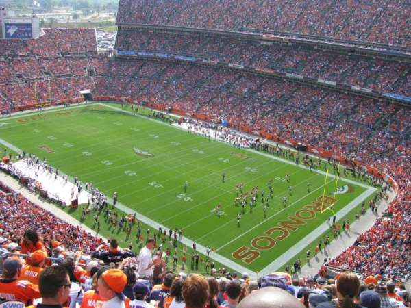 Broncos Stadium at Mile High, secção: 527, fila: 18, lugar: 19