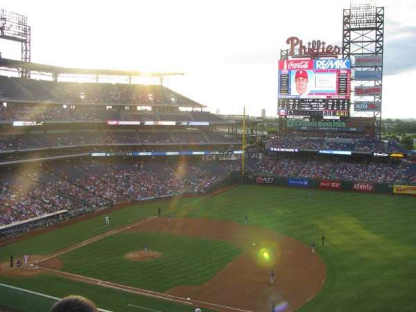 Citizens Bank Park, secção: 313, fila: 3